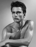2012: Simon Nessman fotografato da Bruce Weber