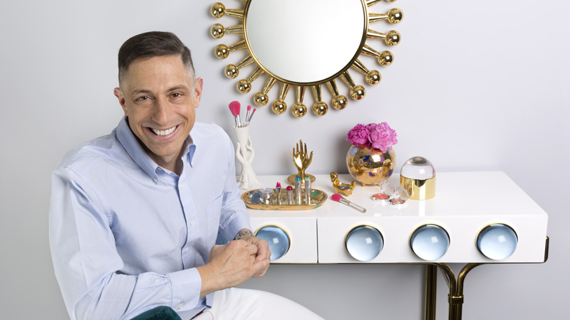 Clinique, nuova capsule collection con Jonathan Adler