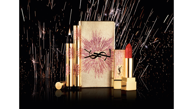 Un'esplosione di luce, un fuoco d'artificio. Il make up per le feste firmato Yves Saint Laurent.